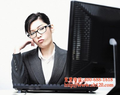 常用熬夜电脑 IT女患上神经性耳鸣